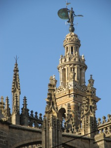 El Giraldillo, la escultura que corona la Catedral de Sevilla.