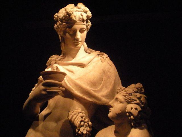 Dionisio, el dios del vino. Cuando algunos beben, pierden la memoria.